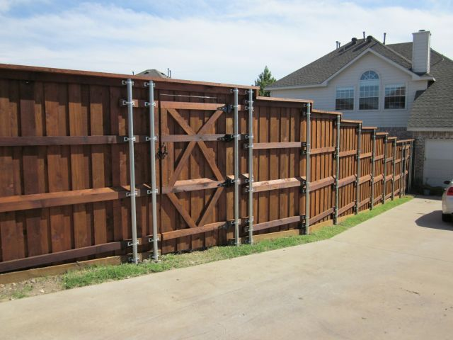 Board on Board Cedar Fence Metal Posts