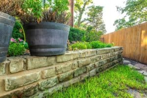 Outdoor features - stone retaining wall
