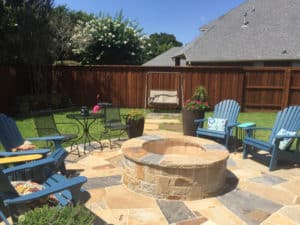 Outdoor Fire Features - Outdoor fire pit with seating